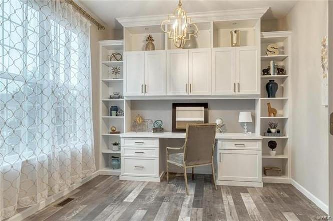 What is the difference between staging and decorating a home?